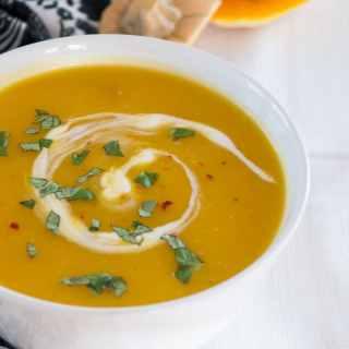 Kürbis-Kokossuppe mit Ingwer – die leichte Variante