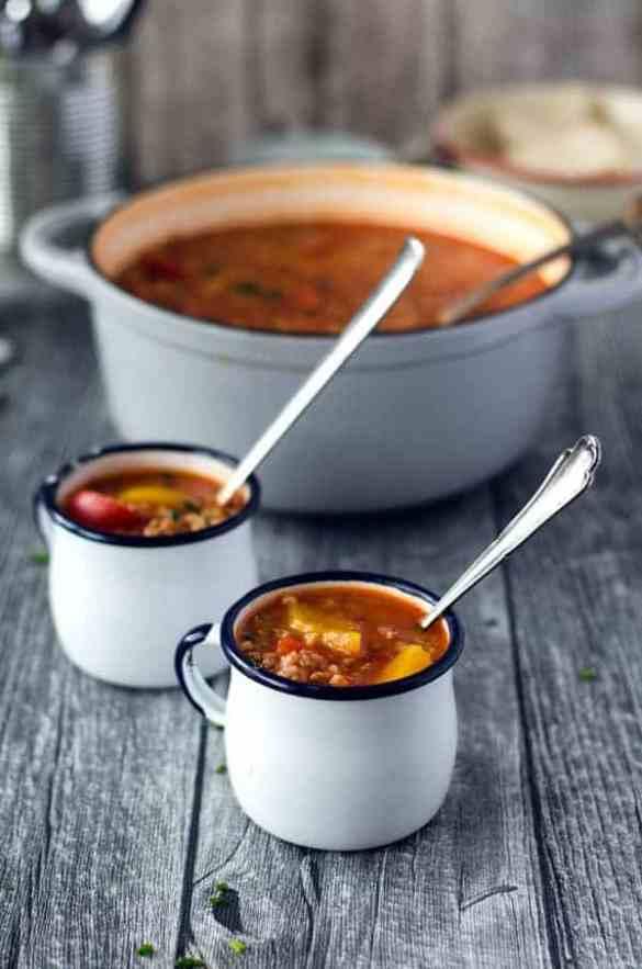 super leckere, kalorienarme und aromatische gefüllte Paprika-Suppe//stuffed pepper soup- aromatic, delicious and low calorie. Recipe also in english!