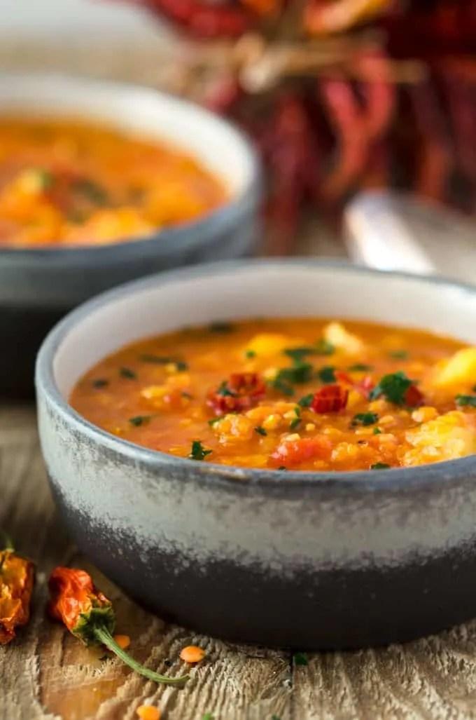 mildes curry mit linsen kartoffeln und blumenkohl vegan eine prise lecker. Black Bedroom Furniture Sets. Home Design Ideas