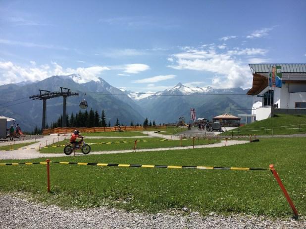 Die Top 11 Ausflugsziele in Zell am See/Kaprun mit Kindern: E-Motorcross