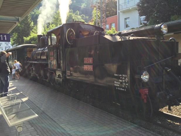 Die Top 11 Ausflugsziele in Zell am See/Kaprun mit Kindern: Die alte Dampflok zu den Krimmler Wasserfälle