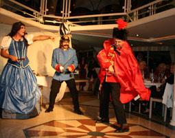 Krimi, Dinner und Theater auf dem Schiff