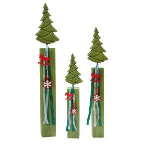Deko-Tannen im traditionellen grün mit niedlicher Verzierung. Maße: Klein Maße: ca. B11 x T7 x H50 cm , Mittel Maße: ca. B14 x T7 x H66 cm, Groß Maße: ca. B16,5 x T8,5 x H81,5 cm, Gewicht: ca. 0,6 kg, Material: Schichtholz, Polyester.<br>