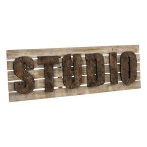 Origineller Schriftzug Studio. Maße: ca. B140 x T5,5 x H45 cm, Gewicht: ca. 5,3 kg, Material: Metall, Tannenholz.<br>