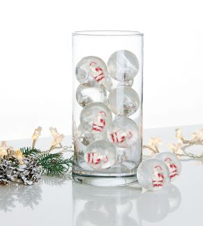 Witziger Flummi, der einen kleinen Weihnachtsmann in sich trägt. Nicht geeignet für Kinder unter 3 Jahren. Das integrierte und blinkende LED-Licht schaltet sich automatisch beim Spielen an, sobald der Ball im Ruhezustand ist, schaltet sich das LED-Licht wieder ab, Maße: je ca. 5,5 cm Ø, Gewicht: ca. 1,3 kg, Material: Kunststoff.<br>