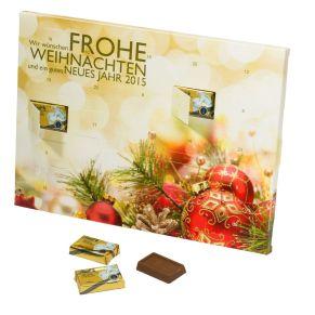 24 leckere, kleine Schokotäfelchen der Marke Lindt sorgen für vorweihnachtlichen Schokoladengenuss. Zum Aufhängen und Hinstellen geeignet, Maße: ca. B 22,5 x T1 x H16,5 cm. Zutaten: Alpenvollmilch-Schokolade (Kakao: 30% mindestens): Zucker, Kakaobutter, VOLLMILCHPULVER, Kakaomasse, MILCHZUCKER, MAGERMILCHPULVER, Emulgator (SOJALECITHIN), GERSTENMALZEXTRAKT, BUTTERREINFETT, Aroma Vanillin. Allergiehinweis: Kann Spuren von Haselnüssen und Mandeln enthalten<br>