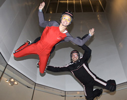 Dieser Indoor Skydiving-Kurs ist der ideale Einstieg fuer alle Ueberflieger!