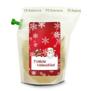 """Mit diesen hübschen Brühbeuteln lässt sich die Hektik des Alltags schnell vergessen. Einfach heißes Wasser einfüllen, ziehen lassen, durch den integrierten Filter ausgießen und genießen. Kein Instant-Produkt, ein Beutel ergibt zwei Tassen und kann wiederverwendet werden, """"Bio Weihnachts-Tee"""" (winterlicher Gewürztee mit Apfelstückchen, Zimt und Nelken). Zutaten: Tee Brewer, Apfelstückchen*, Ingwer*, Trauben*, Hagebuttenschalen*, Zimt*, natürliche Aromastoffe, Kurkumapulver*, Nelken*, Kardamomfrucht*, Pfeffer*, Sonnenblumenblätter* /*zertifizierte biologische Produkte aus EU-Landwirtschaft. Nährwertangaben: Tee Brewer, Nährwerte pro 100 g % der RM* pro 100 g, Brennwert: 4 kJ (1 kcal) 0,0 %, Fett: 0,10 g 0,14 %, davon:, – gesättigte Fettsäuren: , 0,10 g 0,50 % , Kohlenhydrate: 0,10 g 0,04 %, davon:, – Zucker: , 0,10 g 0,11 % , Eiweiß: 0,10 g 0,20 %, Salz: 0,10 g 1,67 %."""