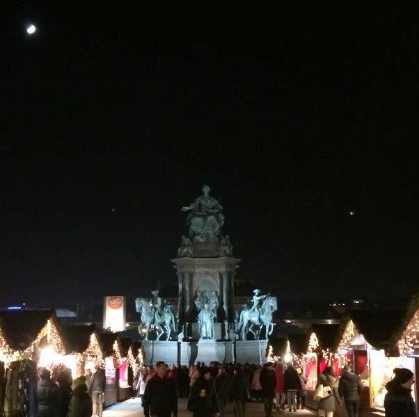 Weihnachtsmarkt Maria-Theresien-Platz