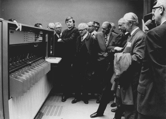 1972: Belegleser IBM 1275