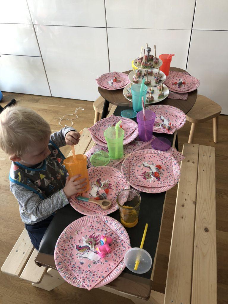Kindergeburtstag Tischdeko Einhorn