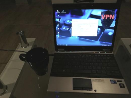Bezpieczna praca zdalna za pomocą łączy szyfrowanych VPN.