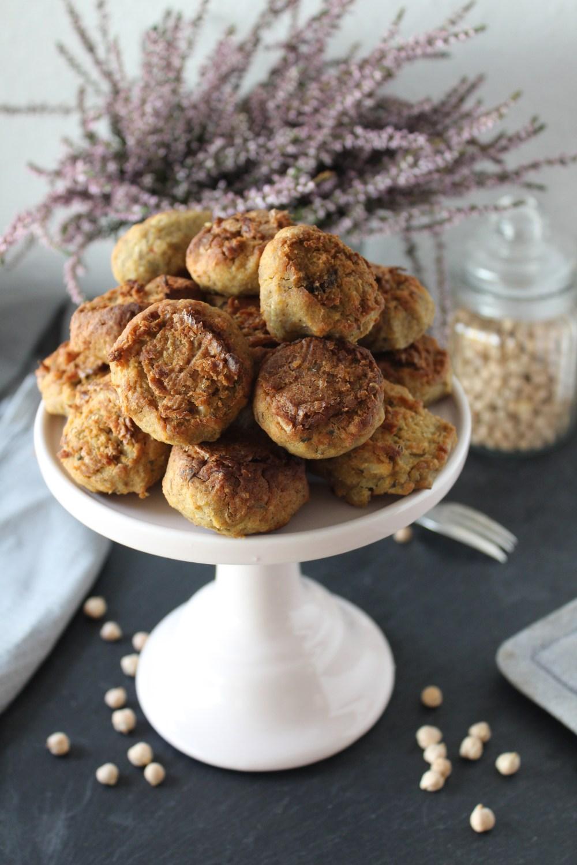 Knusprige Falafel bzw. Kichererbsen-Bällchen von Einmal Nachschlag, bitte – Foto: Linda Katharina Klein