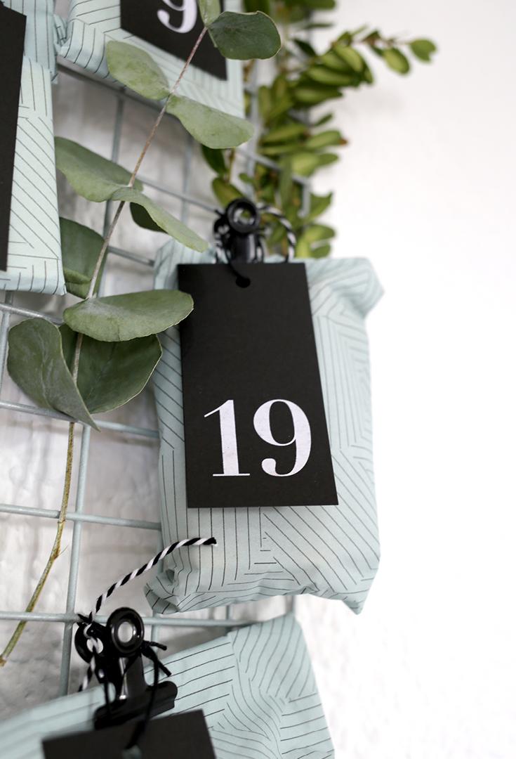 ein st ck vom gl ck unser adventskalender 2016. Black Bedroom Furniture Sets. Home Design Ideas