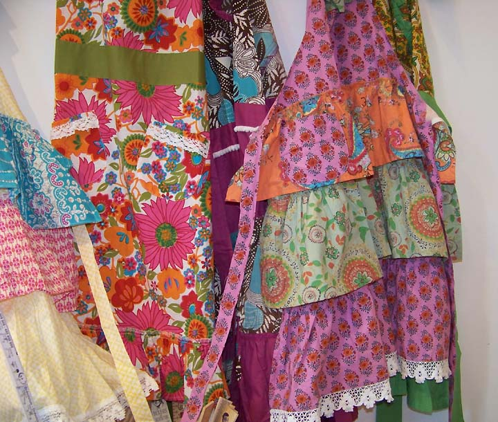colorful.aprons2