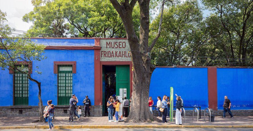 Virtual Bus Trip: Frida Kahlo's Blue House