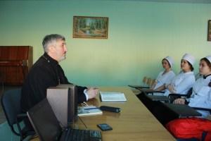 Благочинный Кущевского округа церквей прочитал в медицинском колледже лекцию о суициде
