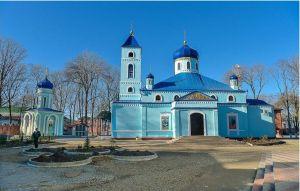 В неделю о самаряныне правящий архиерей молился в Михайло-Архангельском храме города Ейска