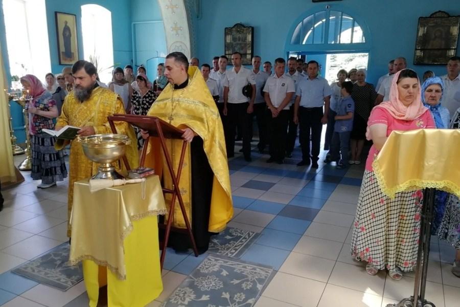 Перекрестки трех дорог, сходящихся в Каневской, освящены