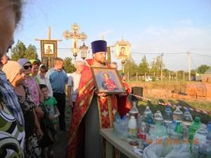 Накануне престольного праздника строящегося храма прошел крестный ход
