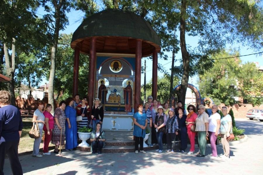 Пенсионеры Староминского района посетили храм Архистратига Михаила.