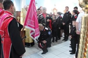 В храме Покрова Пресвятой Богородицы совершен чин освящения знамени Староминского казачьего общества