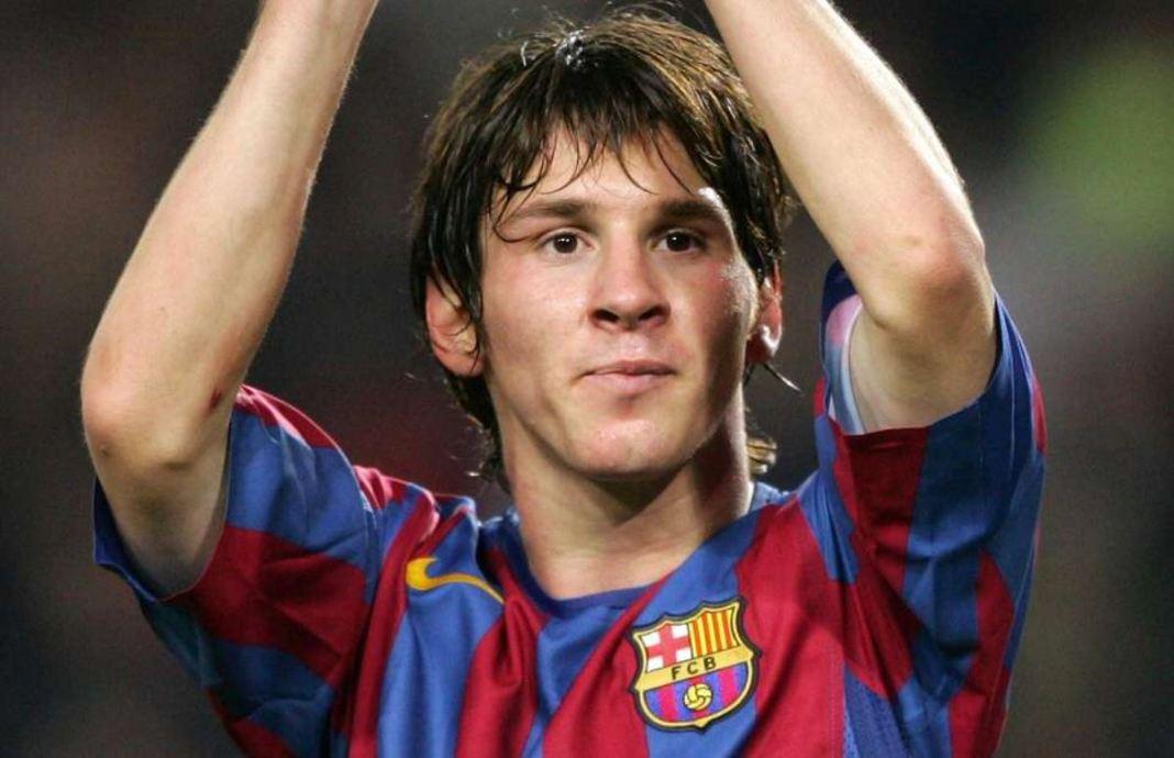 Lionel Messi a 15 anos fazia seu primeiro gol no barcelona