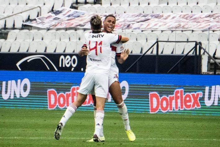 Corinthians x Flamengo, o Jogo Que deu Momentaneamente a Liderança para o Fla nesta rodada 17 do brasileirão