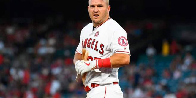 DraftKings Cheatsheet: MLB DFS Picks for August 24 | Mike Trout