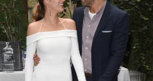 A Look At Blake Lively and Ryan Reynolds' Deeply Controversial Wedding