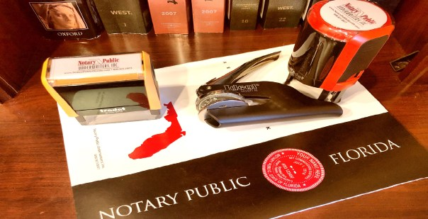 picture of notary stamps