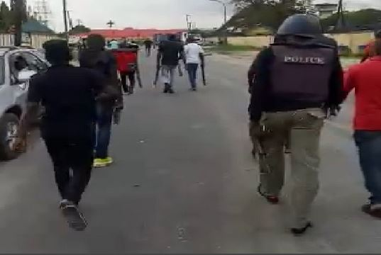 Happening Now : Serious Tension As Hoodlums Attack Warri Prison, Free Inmates In Delta