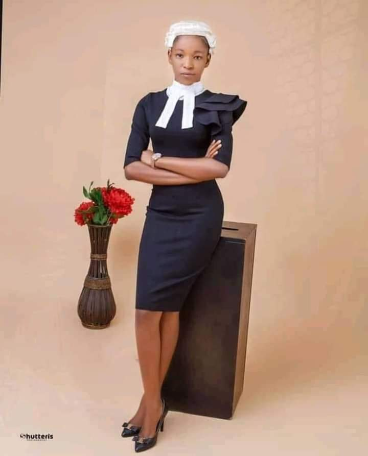 Meet The Youngest Lawyer In Nigeria. Barrister Esther Chukwuemeka