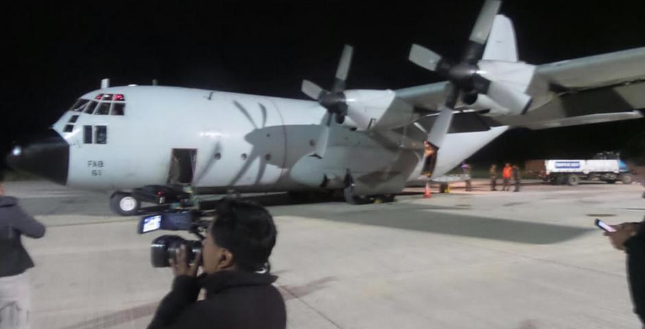 10 toneladas de ayuda humanitaria fueron llevados desde Bolivia a Ecuador
