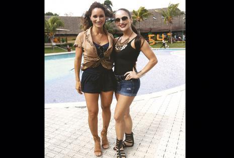 BAILADORAS.  Ingrid Rivero con Georgina Leigue, lindas y siempre activas en disciplinas físicas