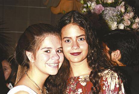 Karina Bautista y Victoria Abudinen.