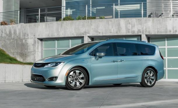 Fiat y Google se unen en la carrera por la conducción autónoma