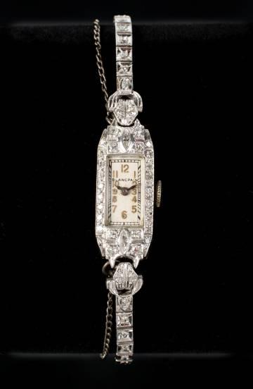 Reloj de diamantes de Marilyn Monroe que sale a subasta.
