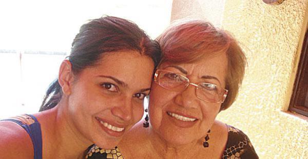 Helen Aponte y Teresa Saucedo