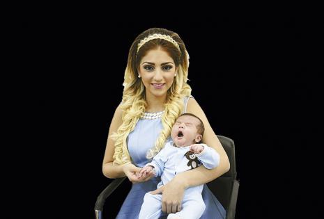 """Nicol Salce y  'Max"""". Ni dos meses tiene  Maximiliano, pero ya sabe modelar. """"Ser mamá joven (21) es un poco complicado, aunque nada ni nadie te quita la felicidad de ver a tu bebé esperándote para que lo alces""""."""