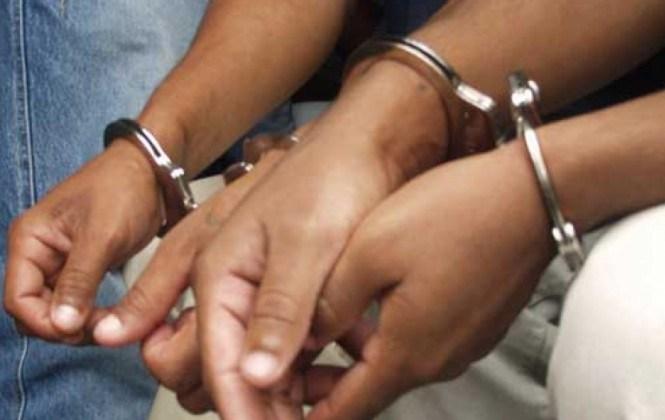 Atrapan cinco personas que llevaban cocaína en preservativos