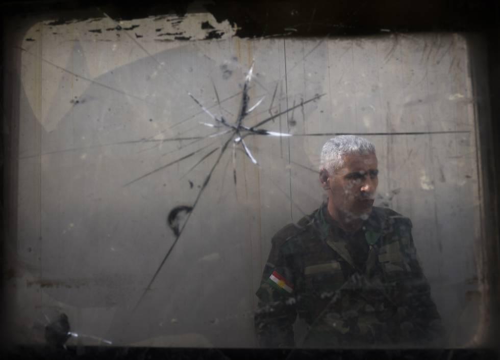 Un peshmrga en la base de Majmur, este miércoles