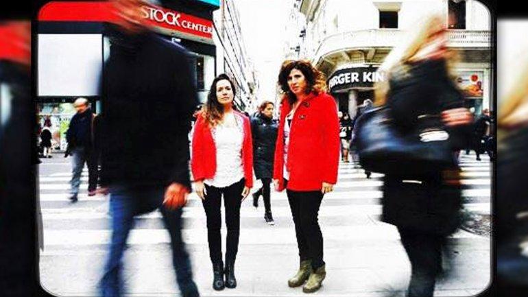 <b/> Soledad Vallejos y Evangelina Himitian, creadoras de