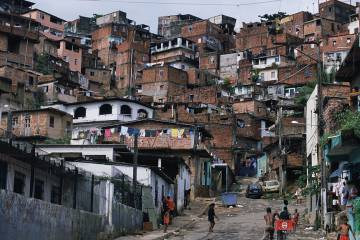 Favela a las afueras de Salvador de Bahía, Brasil.