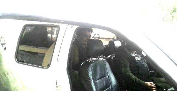 El paraguayo Enrique Díaz Sanguina fue llevado en este vehículo de Viru Viru a la capital cruceña