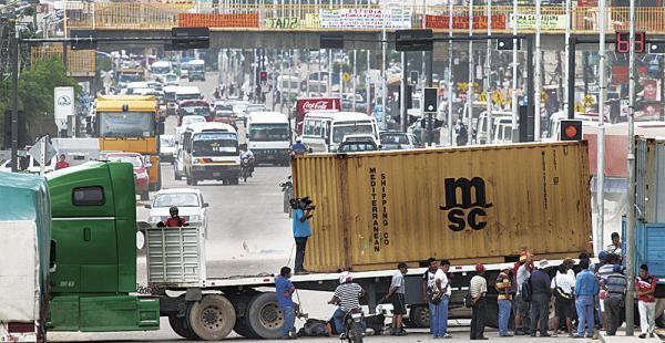 Los transportistas acaban de definir la suspensión de sus medidas de presión.