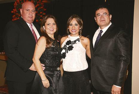 Mauricio Melgar, Susy Aguirre, Analy Salvatierra y Jaime Bolívar