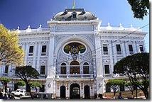 250px-Palacio_de_la_Prefectura_de_Chuquisaca_(Sucre_-_Bolivia)