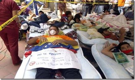 Jovenes-en-huelga-de-hambre-en-la-OEA
