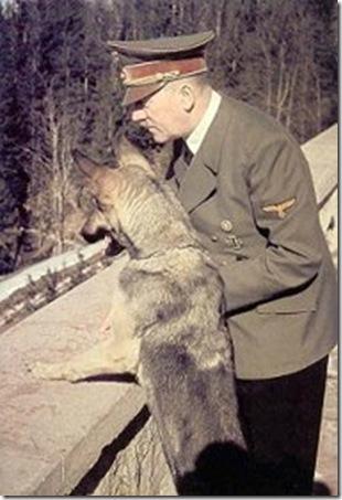 Hitler-con-su-perro-Blondi
